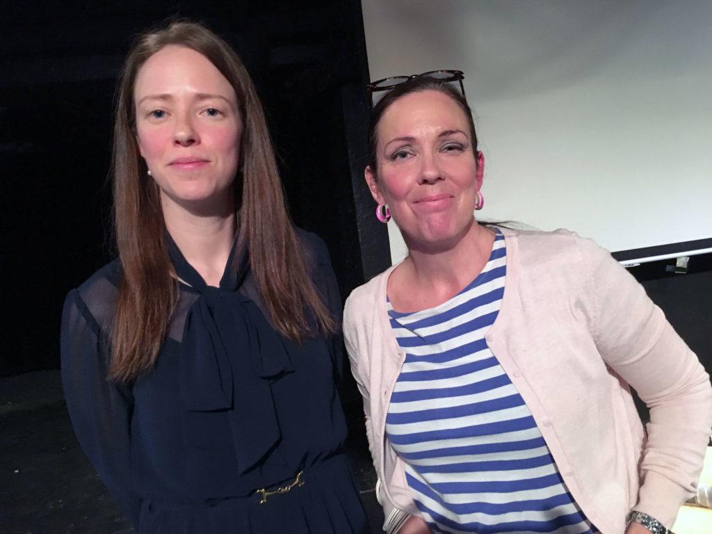 Jämställdhetsminister Åsa Lindhagen och Roks ordförande Jenny Westerstrand, foto Ghita Huldén